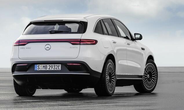 LIK SIN SLEKTNING: Nye EQC har flere kjente detaljer fra GLC, deriblant akselavstanden. Foto: Mercedes-Benz