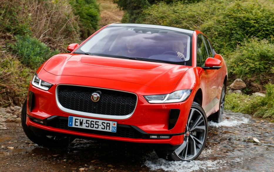 LEKKER SAK: Mange har latt seg friste av Jaguar som varemerke, og i-Pace som en slags skulptur. Elbilen frister med sitt design. Foto: Produsenten