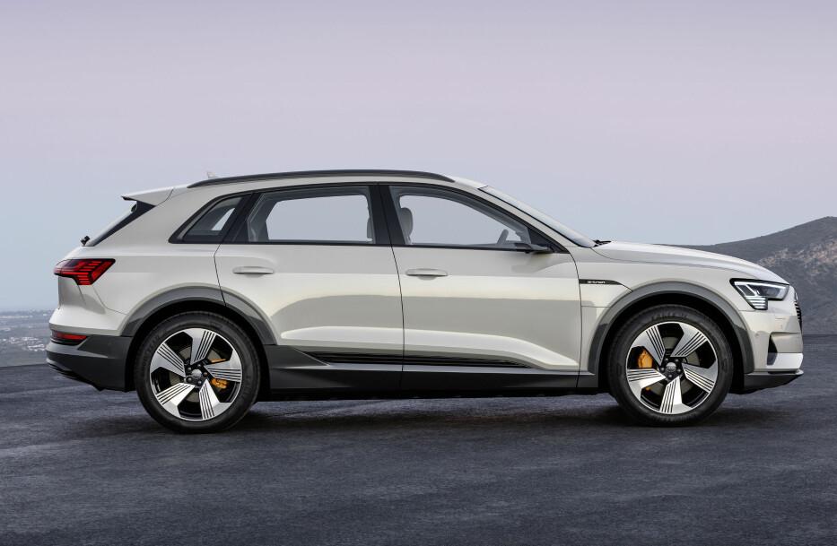 TYPSIK AUDI: Designen på e-tron skiller seg ikke nevneverdig fra de øvrige modellene fra selskapet. Foto: Audi