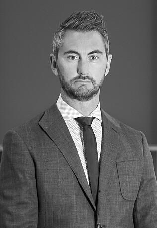 ÅPEN: Marius Tegneby, kommunikasjonsdirektør i BMW Norge forteller at de ønsker å være tydelige ved å oppgi begge kapasiteter. Foto: BMW