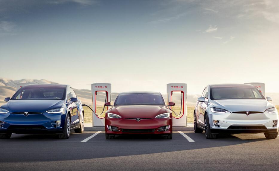PRISOPPGANG: Nå blir det dyrere å lade på en Tesla Superlader. Foto: Tesla