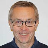 IKKE TROA: Daglig leder i MC Oslo Kåre Vaskinn tror det vil ta år før el-motorsykler er liv laga.