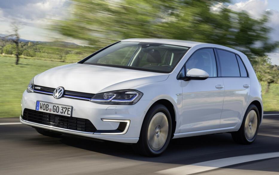 <strong>MEST SOLGT:</strong> VW Golf ble mest solgte bilmodell totalt, men måtte se seg slått av Nissan Leaf blant elbilene. Foto: VW