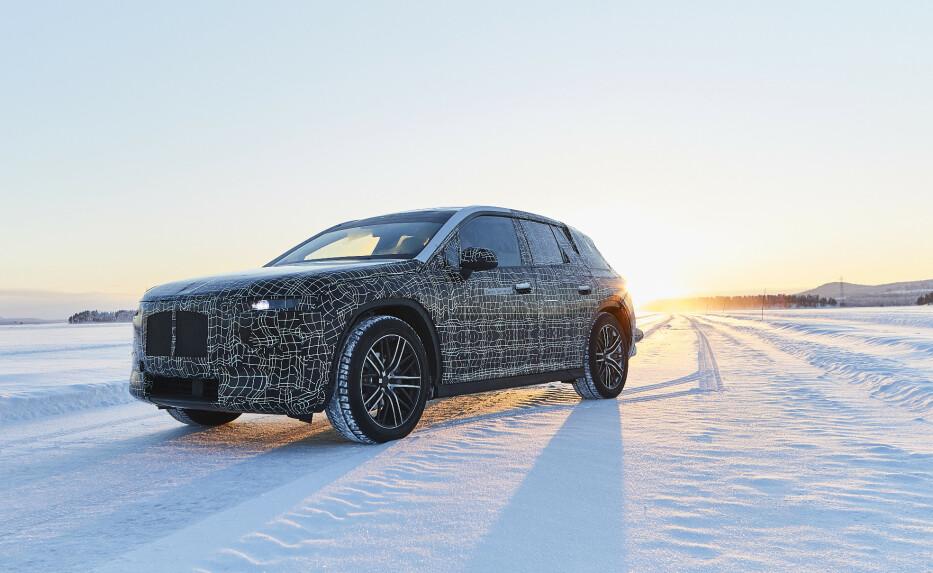 VINTERTESTES: Her testes BMW nyeste flaggskip iNEXT ut i nordiske forhold. Foto: BMW