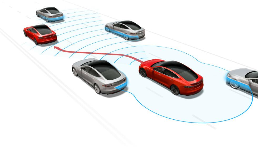 NORGE FØRST: Som takk for støtten har Elon Musk bestemt at Navigate on Autopilot skal først til Norge. Illustrasjon: Tesla