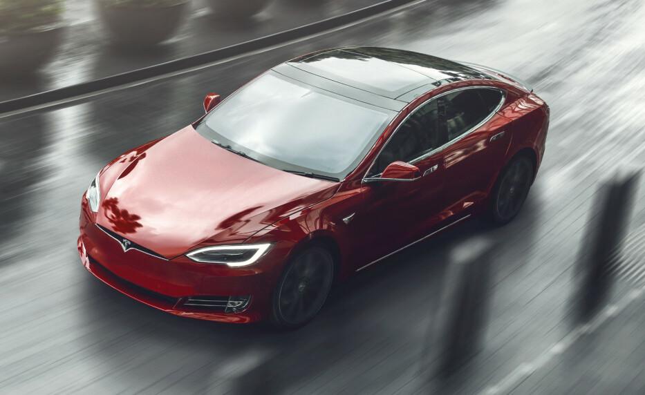 Tesla mot ladbar hybrid: Ikke dekning for å si at det stadig byttes til ladbare hybrider. Foto: Tesla