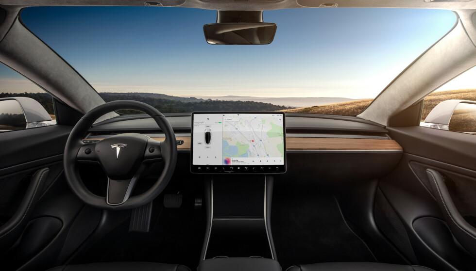 PREMIUM: Her er Tesla Model 3 med premium interiør. Foto: Tesla