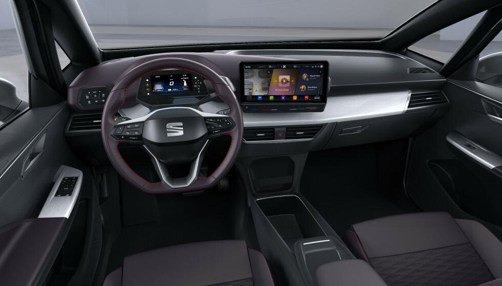 RYDDIG: Når flere funksjoner betjenes fra skjermene blir resten av interiøret ryddig. Foto: Seat