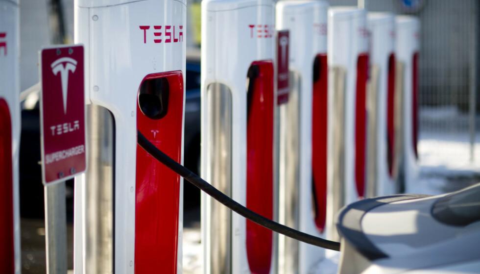OPPDATERING: Snart kan også Tesla Model S og lade raskere på Superchargere. Foto: NTB Scanpix