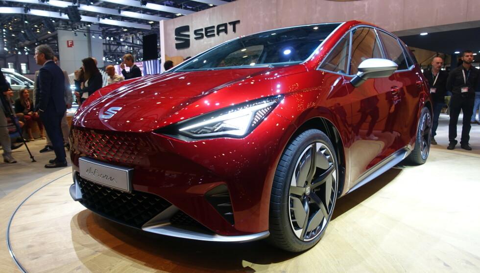 LIKHET: Fronten har fått likheter fra Tesla Model 3, men der stopper også likhetene. Foto: Seat