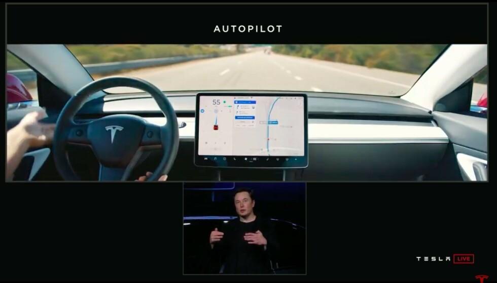 DASHBORD: Bilen har samme innvendig dashbord som søstermodell 3. Foto: Skjermdump