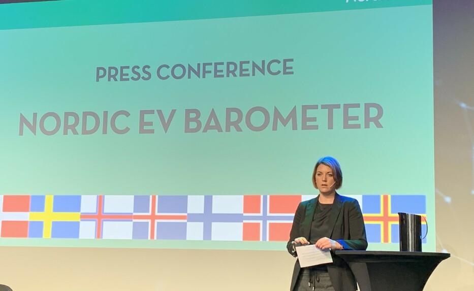 ELBILBAROMETERET 2019: Generalsekretær i Norsk Elbilforening, Christina Bu, gleder seg over at stadig flere vil ha elbil. Foto: Christina Honningsvåg