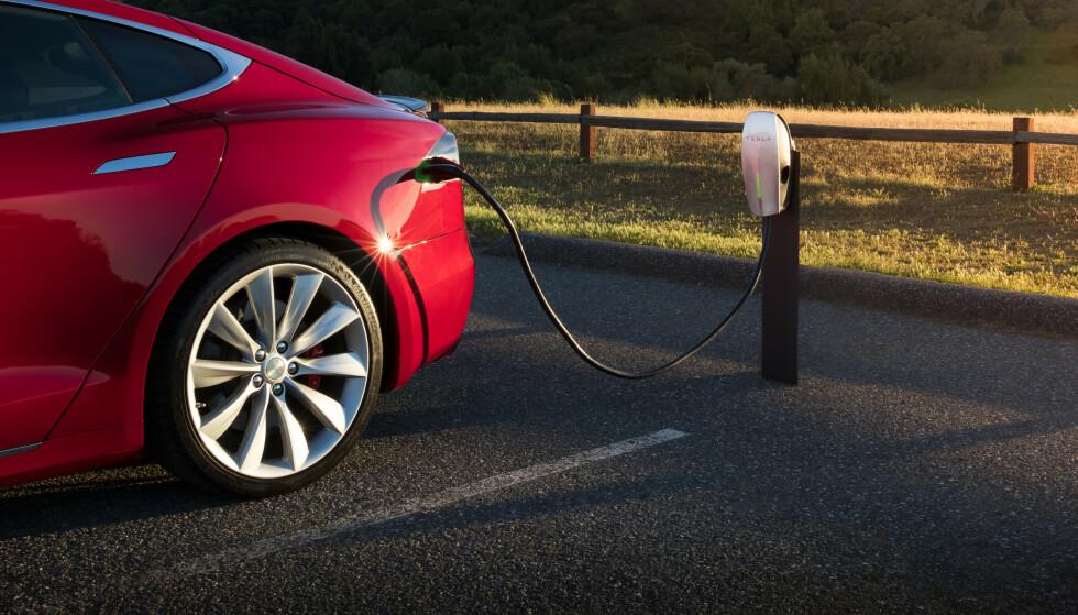 GRENSESPRENGENDE: En historisk ny rekord ble satt i mars i år. Tesla stod for hovedrollen. Foto: Tesla