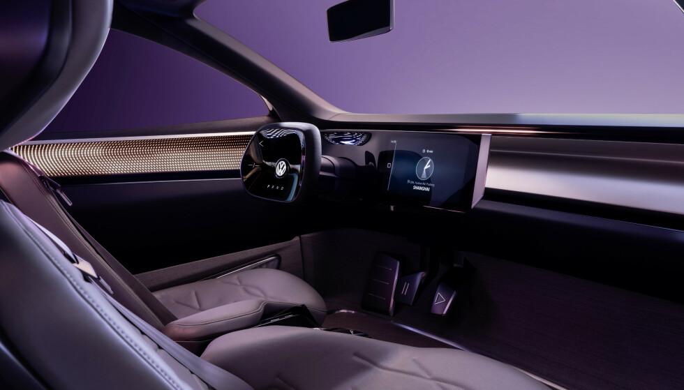 EPLESKINN: Setene er trukket i AppleSkin, og rattet skal på et tidspunkt kun vises virtuelt. Foto: VW