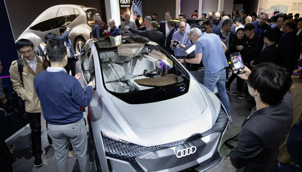 FØRSTE VISNING: Audi AI:ME ble vist frem under selskapets Group Night arrangement på bilmessen i Shanghai. Foto: Audi