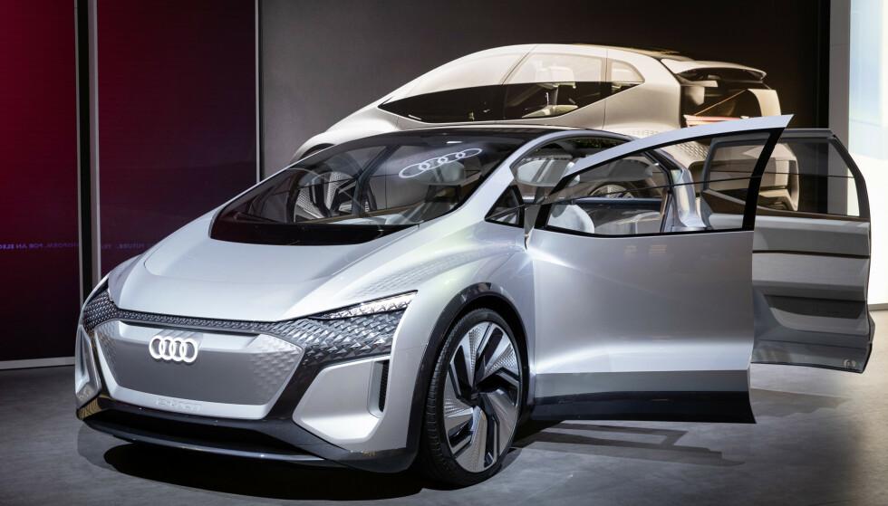 DOBLE DØRER: Konseptbilen har to dører som slår hver sin vei. Dette ser sjeldent dagens lys på produksjonsmodellene. Foto: Audi