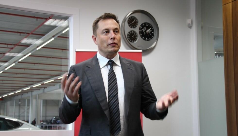 Bilprodusent Tesla, og sjef Elon Musk, roper varsku om tilgangen på batteriråstoff i årene som kommer. Foto: Fred Magne Skillebæk.