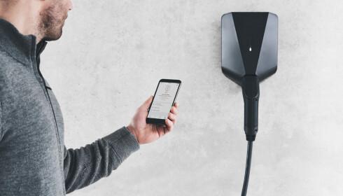 LADEAPP: Med Circle Ks app har du oversikt over ladestatus, både hjemme og på farta. Og du kan starte og stanse ladingen direkte fra mobilen.