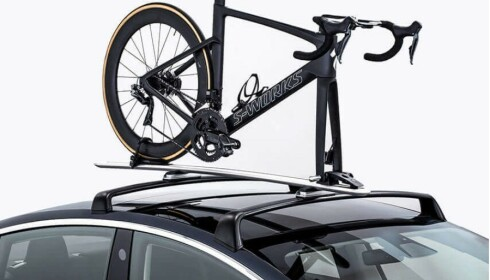 TAKSTATIV: Stativet kan bære 65 kilo med vekt. Foto: Skjermdump Tesla.no