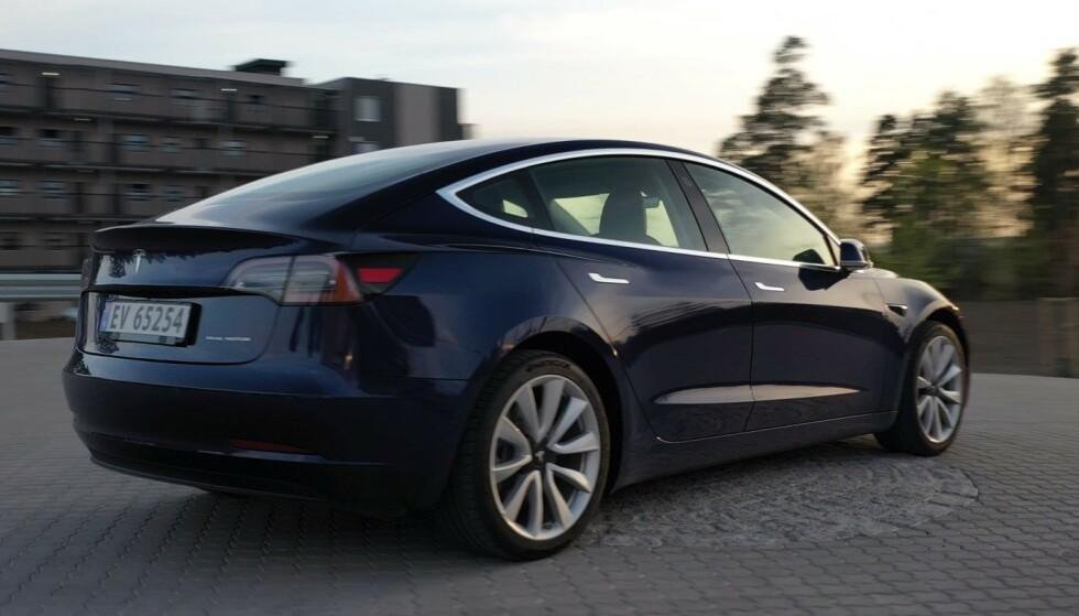 <strong>KLAGETOPP:</strong> Tesla får flest klager og har færrest fornøyde kunder av elbilmerkene, viser to nye undersøkelser. Foto: Fred Magne Skillebæk