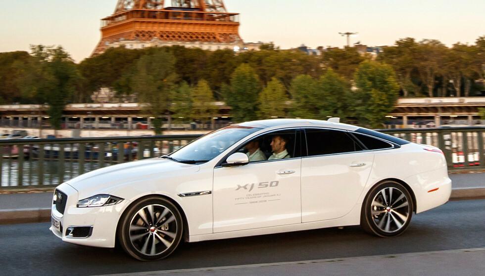 50 + 1: Jaguar XJ hadde 50-års jubileum i fjor. 5.juli i år går den ut av produksjonen, men gjenoppstår neste år som elbil. Foto: Jaguar