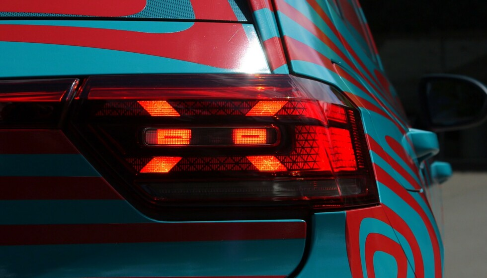 SIGNATUR: VW har lagt inn en liten signatur i formen på lyset. Foto: Martin Meiners