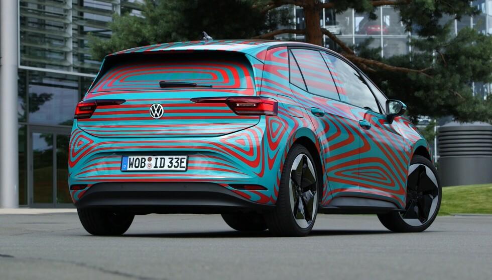 MINNER OM GOLF: Formatet er omtrent det samme, og bilen minner litt om Golf. Foto: Martin Meiners