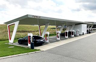 Tesla fjerner gratis superlading fra eldre biler
