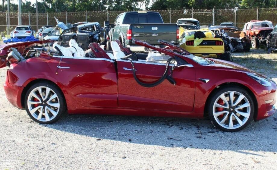 SAKSØKES: Tesla saksøkes etter at en Model 3, med autopilot aktivert, kolliderte med en trailer i USA. En mann i 50-årene omkom i ulykken. Foto: Skjermdump, NTSB