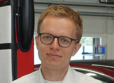 TESLA: Kommunikasjonssjef Even Sandvold Roland sier de ønsker å forbedre seg. Foto: Christina Honninsvåg