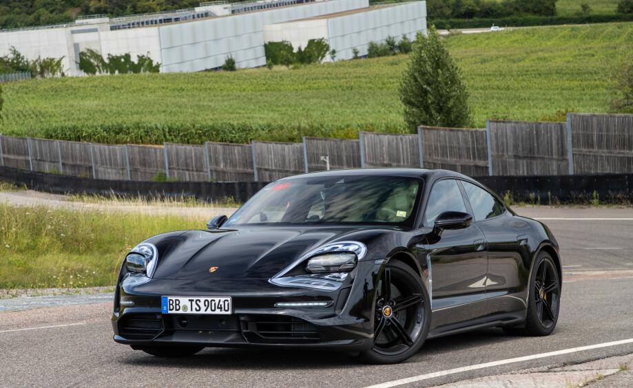 PRØVEKJØRT: Elbil24 har fått en forsmak av hva Porsche Taycan er god for.