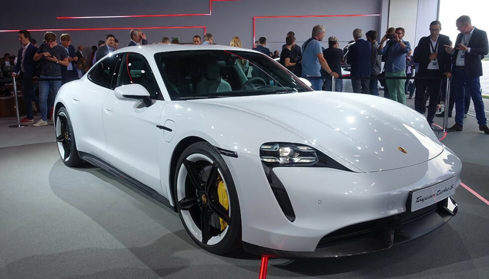 Porsche Taycan endelig offisiell, og prisene er klare