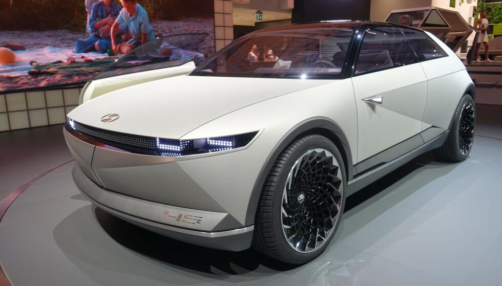<strong>FUTURISTISK:</strong> Hyundais konseptbil, SUV'en 45, tar oss tilbake til fortiden, og til fremtiden, på samme tid. Foto: Fred Magne Skillebæk