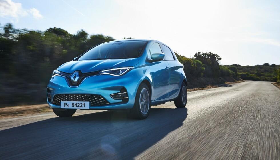 KJENTE FORMER: Men likevel er det store endringer, spesielt i fronten, og innvendig. Foto: Renault