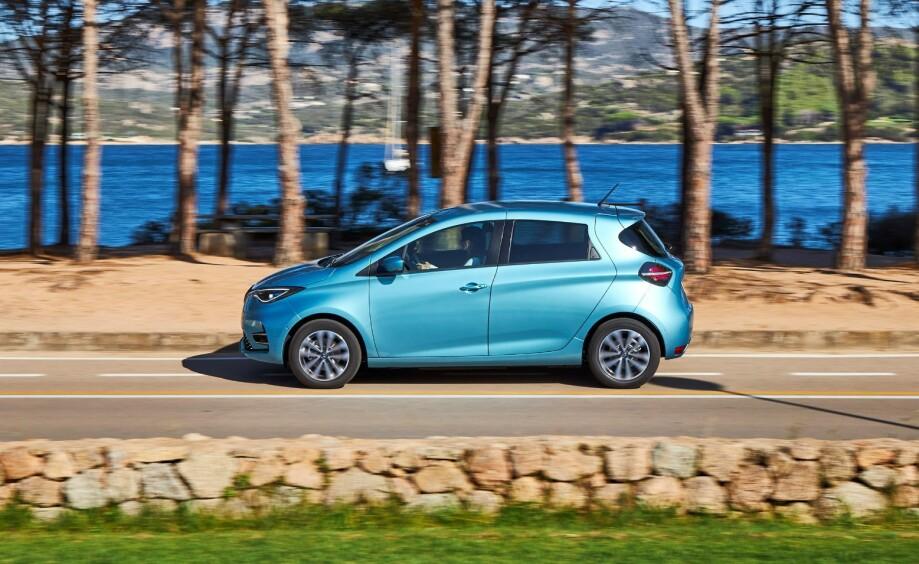 REKKEVIDDE: Renault Zoe får oppjustert rekkevidde etter nye målinger. Foto: Renault