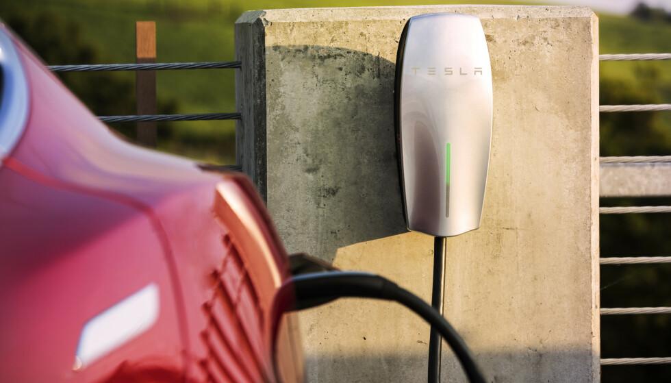 SAVNER STØTTEORDNINGER: Norsk Elbilforening savner støtteordning til sameier og borettslag. Foto: Tesla