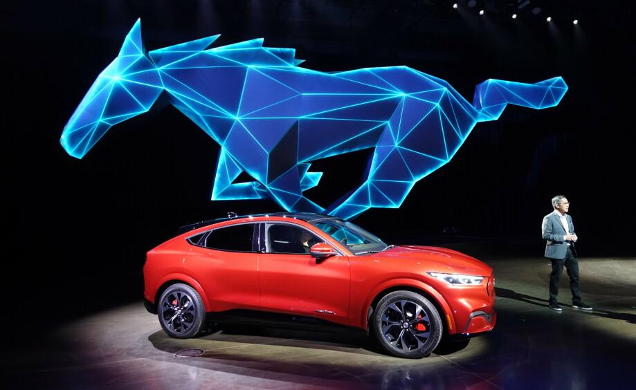 BRASK OG BRAM: Mustang Mach-E ble lansert til stormende jubiel i Los Angeles natt til mandag 18. november norsk tid. Foto: Fred Magne Skillebæk