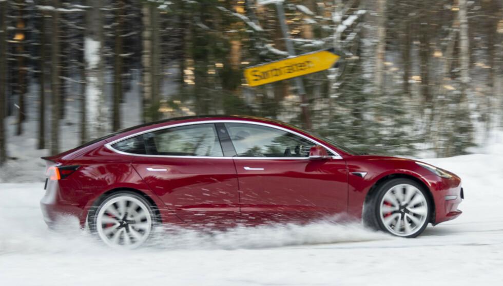 ÅRETS BIL 2020: Tesla Model 3 er kåret til Årets Bil i Norge. Foto: Jamieson Pothecary.