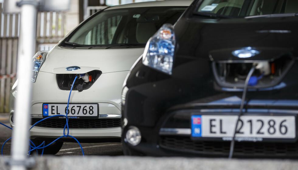 STORSATSING: Sju EU-land spytter inn 32 milliarder kroner i et storstilt prosjekt for å utvikle nye og mer effektive batterier til bruk i elbiler. Illustrasjonsfoto: Heiko Junge / NTB scanpix