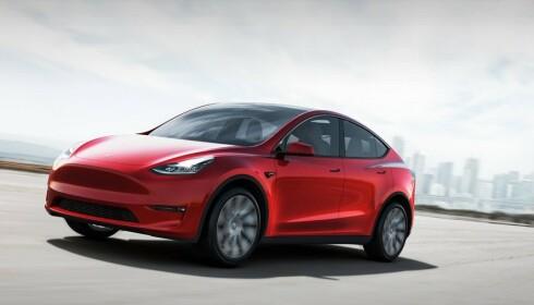 OM DEN KOMMER: Tesla Model Y står høyt på manges gjetteliste for årets mest solgte bil - om den kommer tidsnok. Foto: Tesla