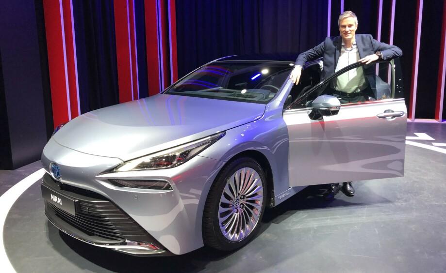 STOR TRO: Espen Olsen fra Toyota Norge har stor tro på at nye Mirai vil gjøre seg bemerket. Foto: Rune M. Nesheim