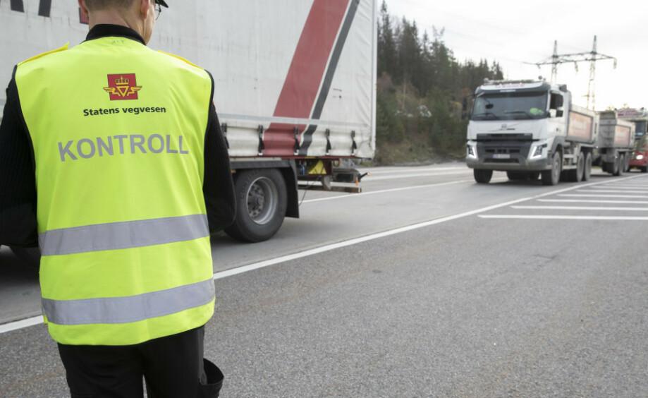 FORLENGET GYLDIGHET: De med behov for helseattest for å få fornyet førerkort, får forlenget frist. Foto: Terje Bendiksby / NTB scanpix