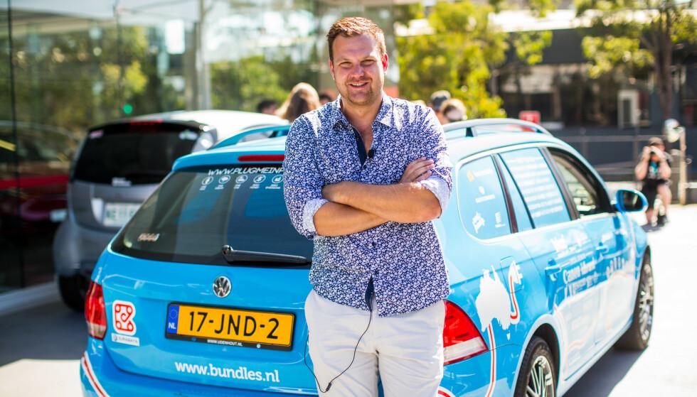VERDEN RUNDT: Nederlandske Wiede Wakker har kjørt halve kloden rundt i elbil - uten å bruke hurtiglader. Foto: plugmeinproject.com