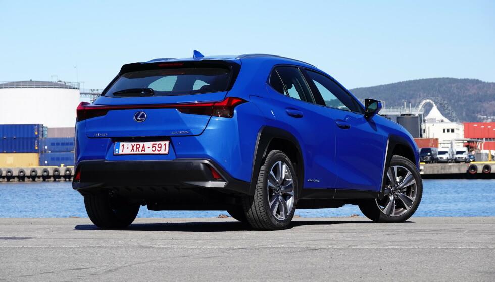 URBAN SUV: Lexus UX bygger på samme plattform som Toyota C-HR, og er en typisk urban SUV. Foto: Fred Magne Skillebæk