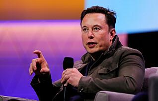 Gjenåpner Tesla-fabrikk stikk i strid med helsekrav
