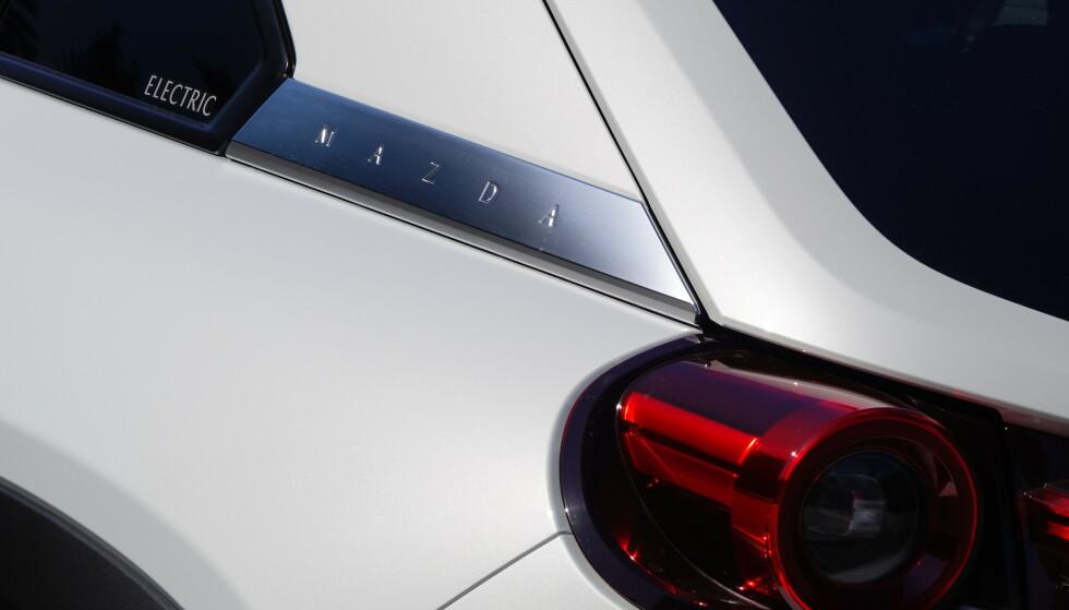INGEN TVIL: Det er en elektrisk Mazda. Foto: Fred Magne Skillebæk
