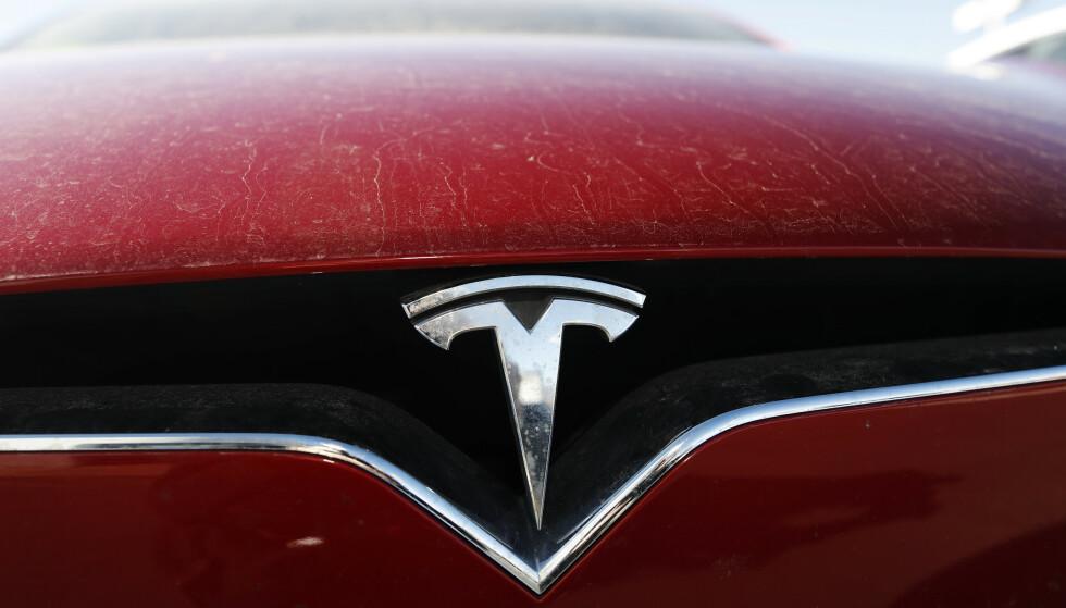 LAV REGISTRERINGSTAKT: Momentet har gått ut av salget for Tesla. Bestselgeren ligger på 13. plass blant elbilene. (Foto: AP Photo/David Zalubowski)