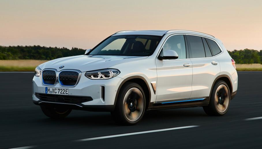 PREMIUM SUV: Med priser fra 559.000 kroner må det sies å være veldig mye bil for pengene. FOTO: BMW