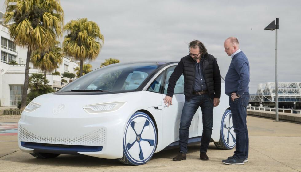 STOLT: Oliver Stephani forteller oss tankene rundt VW ID-konseptet. Foto: Foto: Ingo Barenschee