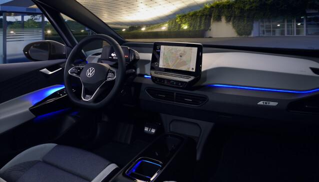 30 FARGER: Bilen kan by på inntil 30 forskjellige fargevalg innvendig - også uavhengig for de forskjellige plassene.